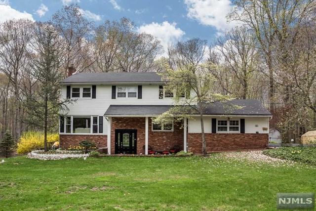 703 Beechwood Drive, Twp Of Washington, NJ 07676 (#1918251) :: Berkshire Hathaway HomeServices Abbott Realtors