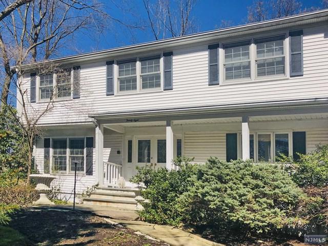 28 Hilton Place, Montvale, NJ 07645 (#1918366) :: Berkshire Hathaway HomeServices Abbott Realtors