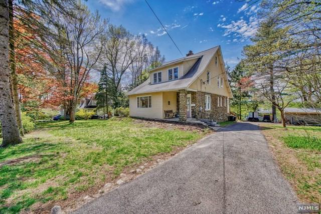 18 Hillcrest Avenue, Montvale, NJ 07645 (#1918591) :: Berkshire Hathaway HomeServices Abbott Realtors