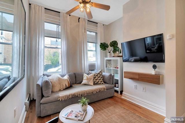 364 7th Street #1, Jersey City, NJ 07302 (MLS #1919716) :: Team Francesco/Christie's International Real Estate
