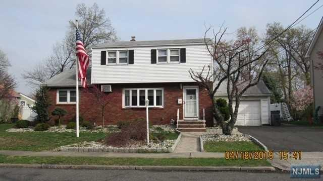 19 Sutton Avenue, Totowa, NJ 07512 (#1919833) :: Group BK