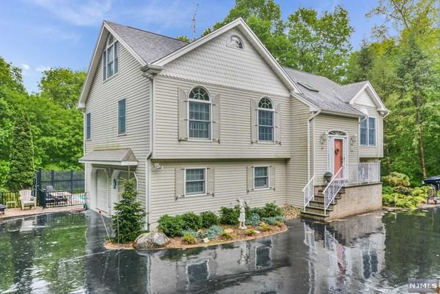 18 Cherrywood Drive, Wayne, NJ 07470 (#1923195) :: Group BK
