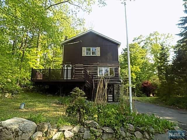 4 Twin Oaks Trail, West Milford, NJ 07421 (#1923310) :: Group BK
