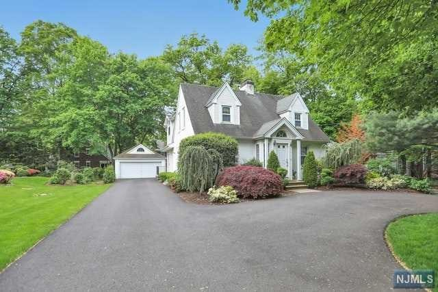 34 Sherwood Road, Tenafly, NJ 07670 (#1923809) :: Group BK