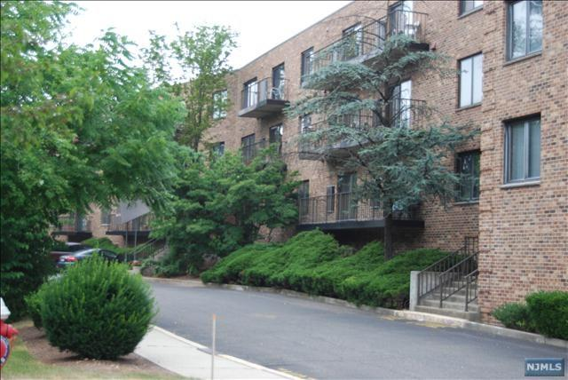 99 Teaneck Road #317, Ridgefield Park, NJ 07660 (#1923856) :: Group BK