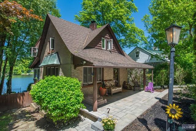 141 Point Breeze Drive, West Milford, NJ 07421 (MLS #1924313) :: The Dekanski Home Selling Team