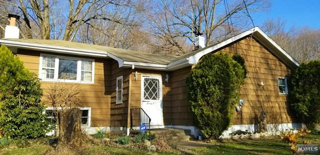 25 Ashbrook Lane, West Milford, NJ 07480 (MLS #1924315) :: The Dekanski Home Selling Team