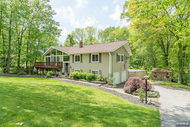 22 Hirth Drive, West Milford, NJ 07435 (MLS #1924571) :: The Dekanski Home Selling Team