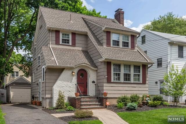 391 Sagamore Avenue, Teaneck, NJ 07666 (#1924637) :: NJJoe Group at Keller Williams Park Views Realty