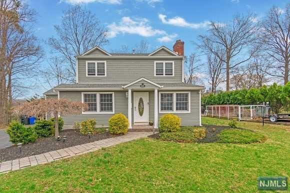 658 Quackenbush Avenue, Wyckoff, NJ 07481 (#1927577) :: Group BK