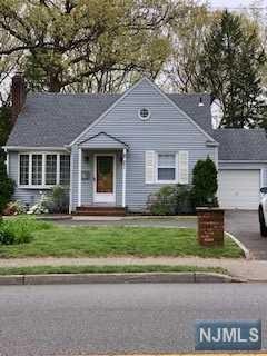 281 N Farview Avenue, Paramus, NJ 07652 (MLS #1927696) :: William Raveis Baer & McIntosh