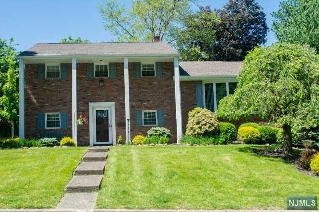 235 Capri Terrace, Park Ridge, NJ 07656 (MLS #1928082) :: William Raveis Baer & McIntosh