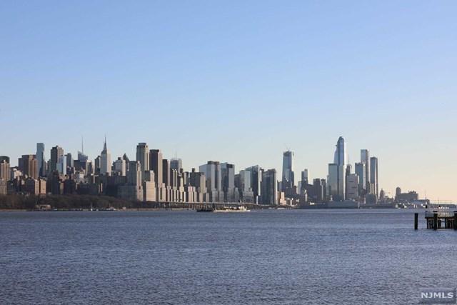 5301 City Place #5301, Edgewater, NJ 07020 (MLS #1928940) :: William Raveis Baer & McIntosh