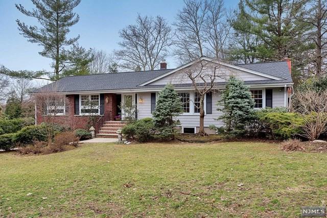 833 Amaryllis Avenue, Oradell, NJ 07649 (MLS #1929242) :: William Raveis Baer & McIntosh