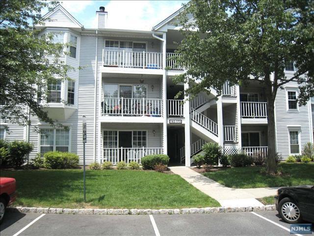 166 Linden Street, Mahwah, NJ 07430 (MLS #1929346) :: William Raveis Baer & McIntosh