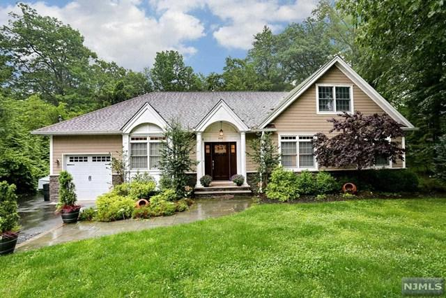 826 Rivervale Road, River Vale, NJ 07675 (MLS #1929591) :: William Raveis Baer & McIntosh