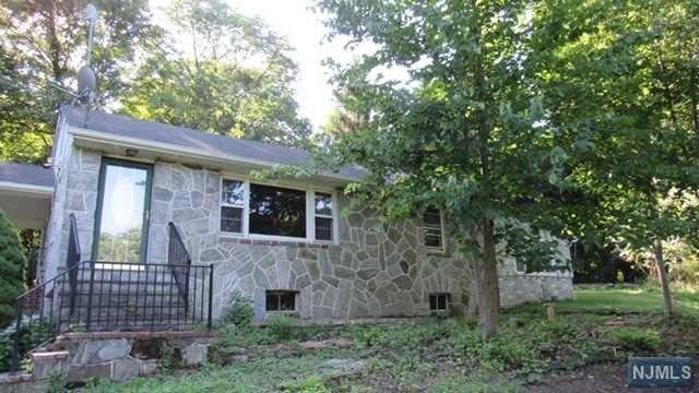 239 Glenwild Avenue, Bloomingdale, NJ 07403 (MLS #1930035) :: William Raveis Baer & McIntosh