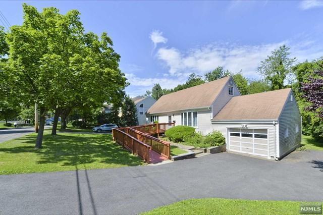 247 Wedgewood Drive, Paramus, NJ 07652 (MLS #1930323) :: William Raveis Baer & McIntosh