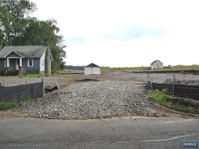 19 Meadowbrook Road - Photo 1