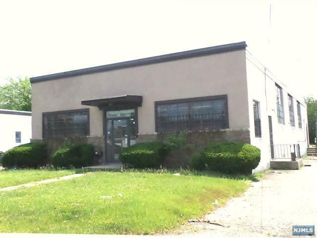 90 W Commercial Avenue, Moonachie, NJ 07074 (MLS #1931633) :: William Raveis Baer & McIntosh