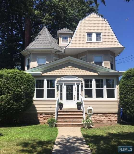22 W Passaic Avenue, Rutherford, NJ 07070 (#1934010) :: NJJoe Group at Keller Williams Park Views Realty