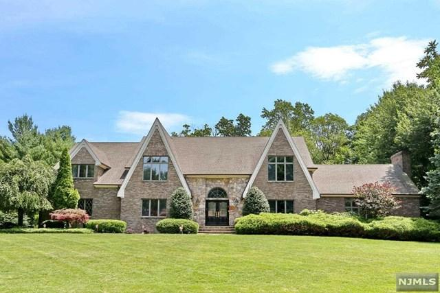 712 Horseshoe Trail, Franklin Lakes, NJ 07417 (#1934051) :: Group BK