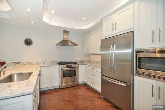 45 Marquis Court #45, Edgewater, NJ 07020 (MLS #1934078) :: Team Braconi | Prominent Properties Sotheby's International Realty