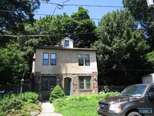113 Temple Terrace, Palisades Park, NJ 07650 (#1934108) :: NJJoe Group at Keller Williams Park Views Realty