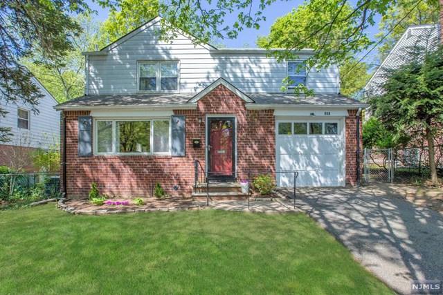 980 E Lawn Drive, Teaneck, NJ 07666 (#1934227) :: Group BK