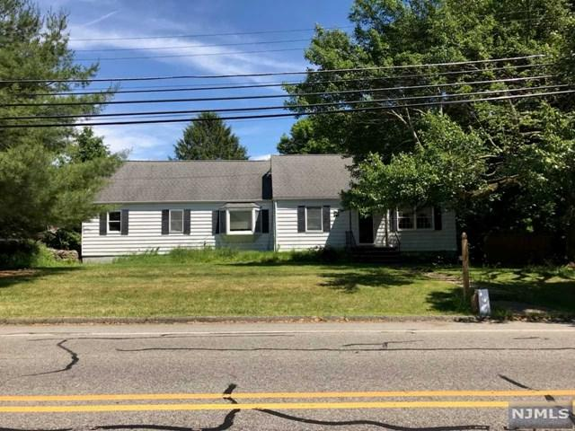 341 Center Grove Road, Randolph Township, NJ 07869 (MLS #1934613) :: The Sikora Group