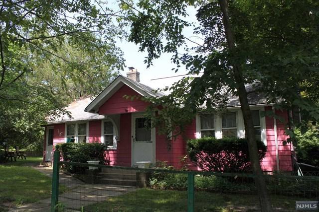 30 Minnehaha Path, Lincoln Park Borough, NJ 07035 (MLS #1936899) :: William Raveis Baer & McIntosh