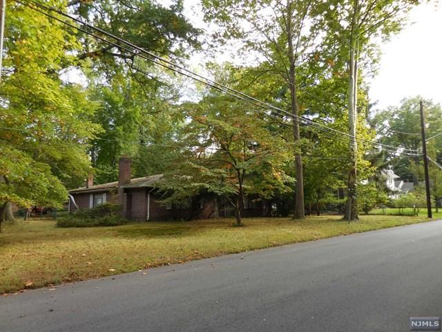 191 Whitman Street, Haworth, NJ 07641 (MLS #1938088) :: William Raveis Baer & McIntosh