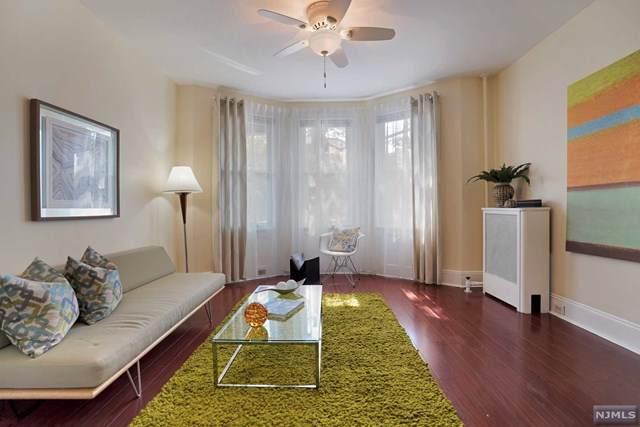 52 Highwood Terrace, Weehawken, NJ 07086 (MLS #1942616) :: Team Francesco/Christie's International Real Estate