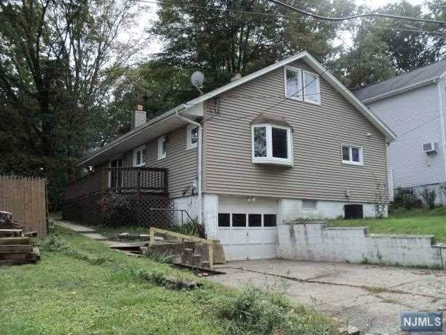 5 Mountainside Road, West Milford, NJ 07480 (#1943079) :: Group BK