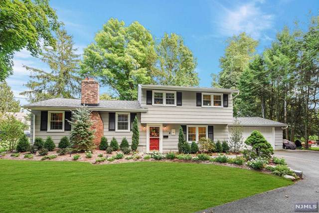 4 Ackerson Road, Allendale, NJ 07401 (#1943116) :: The Force Group, Keller Williams Realty East Monmouth