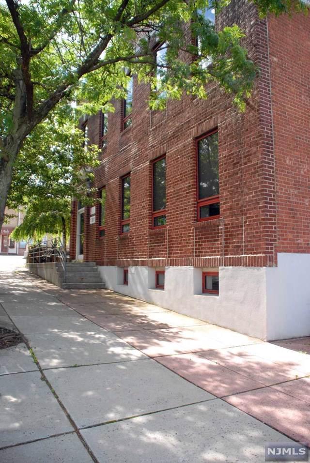 139 Chestnut Street - Photo 1