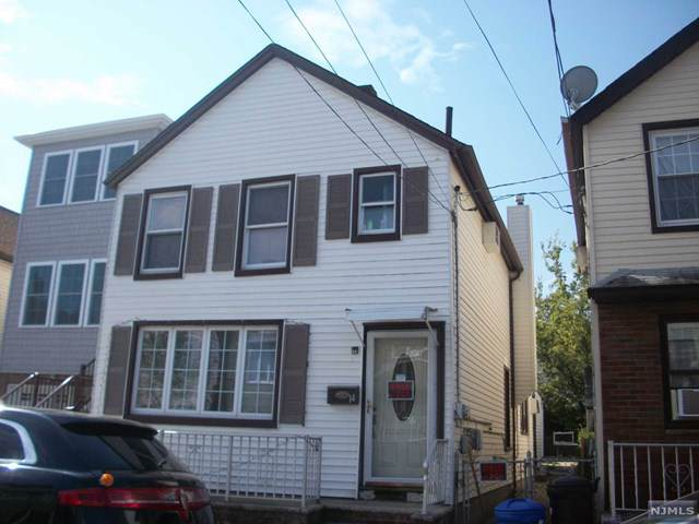 14 Silver Street, Bayonne, NJ 07002 (MLS #1945994) :: The Sikora Group