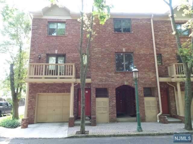 35 Mews Lane, South Orange Village, NJ 07079 (MLS #1946142) :: William Raveis Baer & McIntosh
