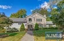 33 Holly Drive, Millburn, NJ 07078 (MLS #1946212) :: Halo Realty