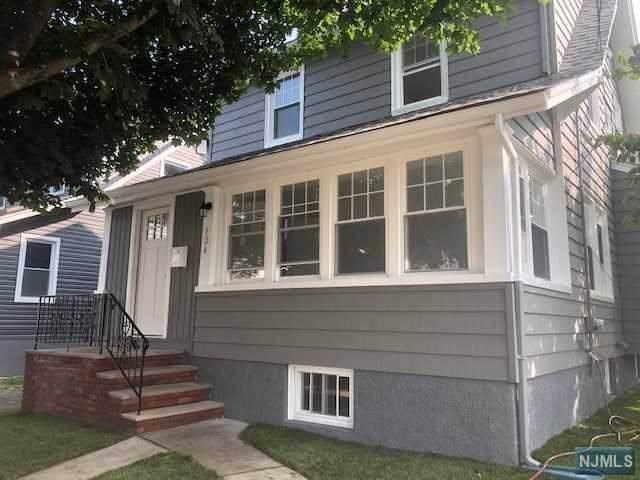 124 Boyle Avenue, Totowa, NJ 07512 (MLS #1946316) :: The Sikora Group