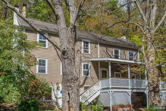 5 Walnut Lane, Hardwick, NJ 07825 (MLS #1946329) :: The Sikora Group