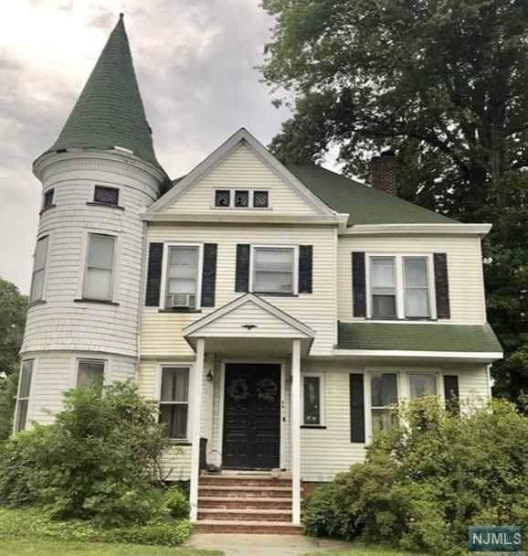 24 W Passaic Avenue, Rutherford, NJ 07070 (MLS #1946462) :: William Raveis Baer & McIntosh