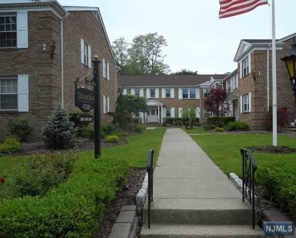 364 E Ridgewood Avenue #7, Ridgewood, NJ 07450 (MLS #1946488) :: The Dekanski Home Selling Team