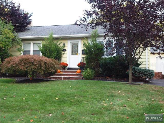 29 Spruce Avenue, Emerson, NJ 07630 (MLS #1946746) :: William Raveis Baer & McIntosh