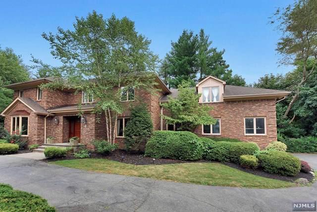 3 Paul Court, Ridgewood, NJ 07450 (MLS #1946822) :: The Dekanski Home Selling Team