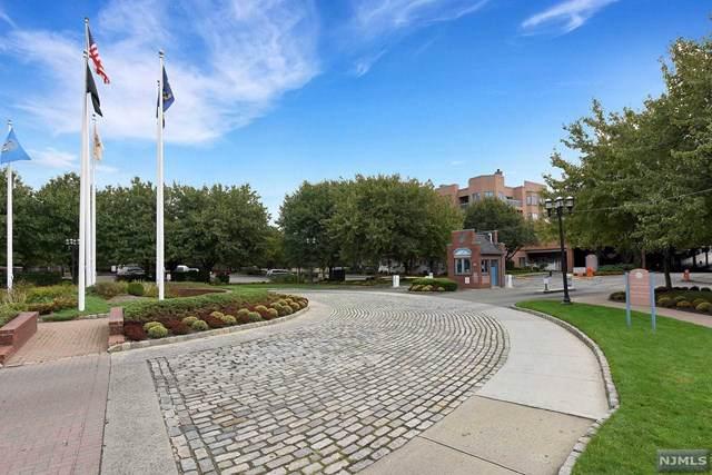 16 Independence Way J016, Edgewater, NJ 07020 (MLS #1946940) :: RE/MAX Ronin