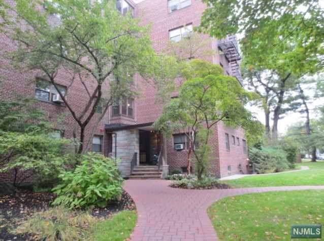 401 Park Place 2E, Fort Lee, NJ 07024 (MLS #1947102) :: William Raveis Baer & McIntosh