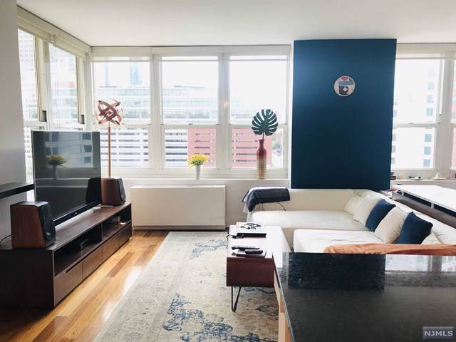 88 Morgan Street #808, Jersey City, NJ 07302 (MLS #1947561) :: The Sikora Group