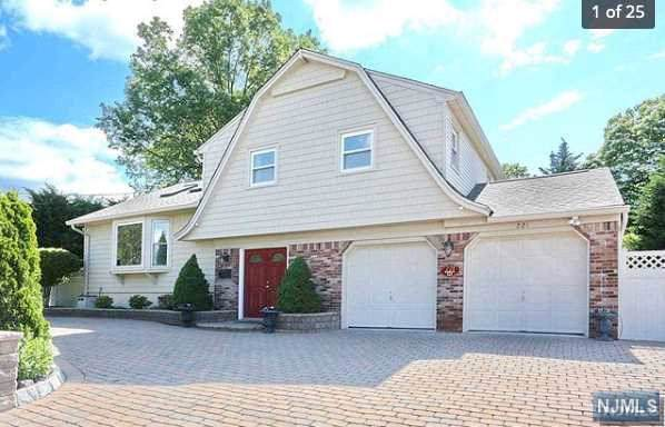 221 Forest Avenue, Emerson, NJ 07630 (MLS #1949615) :: William Raveis Baer & McIntosh