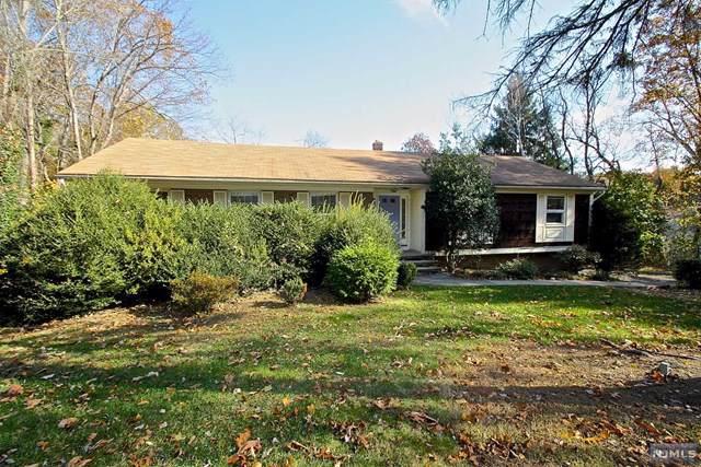247 Hidden Glen Court, Franklin Lakes, NJ 07417 (MLS #1950102) :: William Raveis Baer & McIntosh
